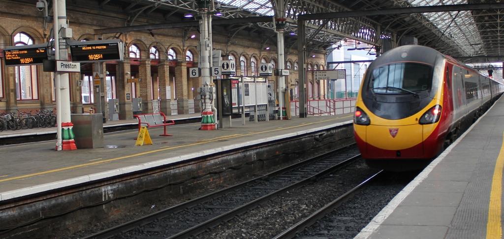 London Euston - Stations Destinations - Virgin