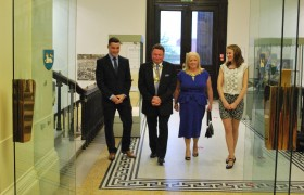Mayor & Mayoress with Scott & Stephanie make a grand entrance to the reception held in the Harris rotunda