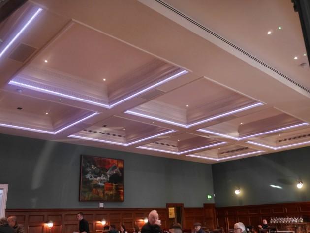 J D Wetherspoon Introduce Lloyds No 1 Bar The Twelve