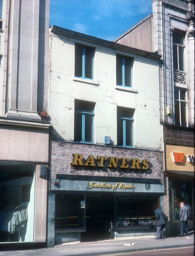 Ratners Jewellers and othe shops, Fishergate (north side), Preston 1980