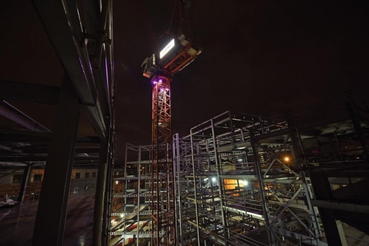The illuminated crane