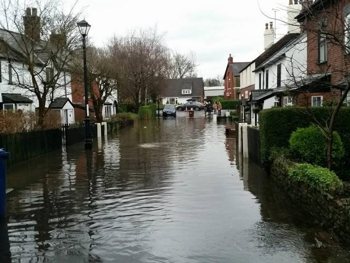 Preston Flooding Walton Green Homes Evacuated As River