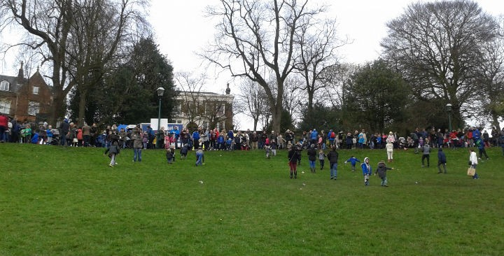 Egg rolling in Avenham Park during Easter 2016