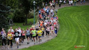 Runners making their way down into Avenham Park (knowing they had to go back up that hill shortly!)
