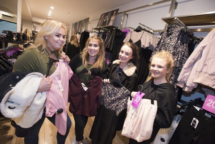 chloe-gibson16-ellie-robinson-16-niamh-tiernan-16-and-charlotte-spickett-16-with-their-shopping