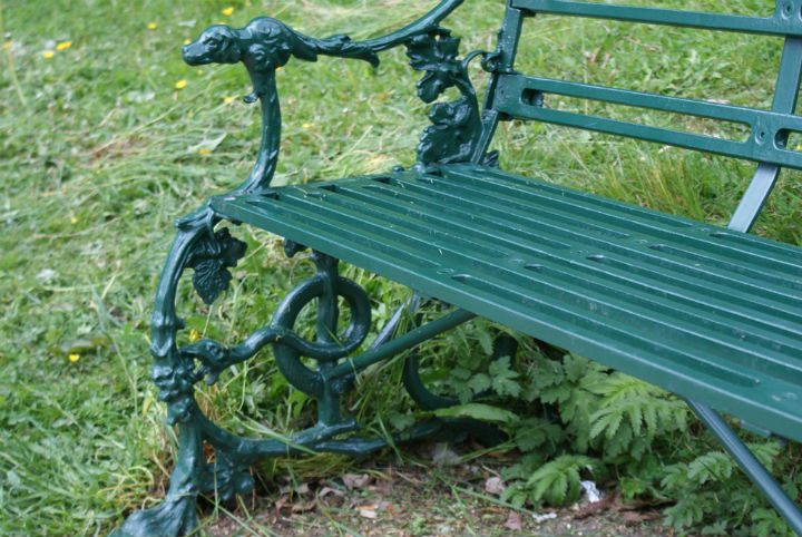 The dog and serpent design benches are being offered in Moor Park