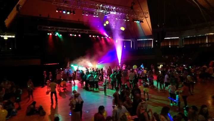 A view down onto the baby rave
