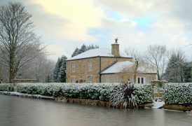 Snowy scene on the Lancaster Canal at Preston Pic: Tony Worrall