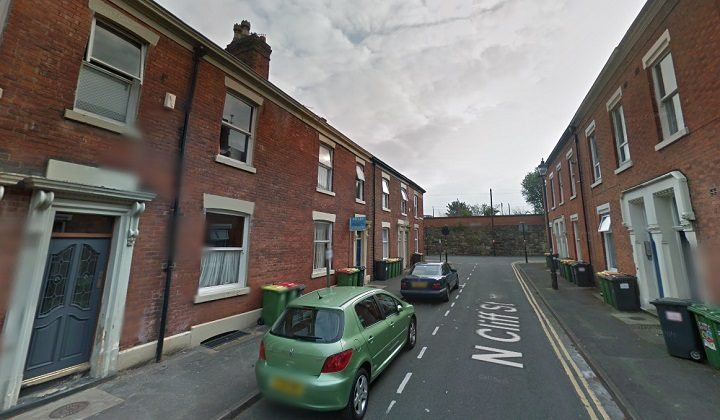 The robbery took place between North Cliff Street and West Cliff Terrace Pic: Google