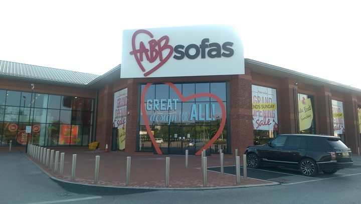 Fabb Sofas has notices on the door saying it has closed with immediate effect Pic: Blog Preston