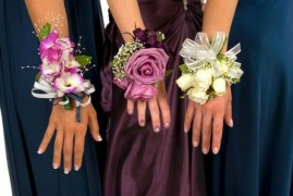 Parents are spending more and more on school proms