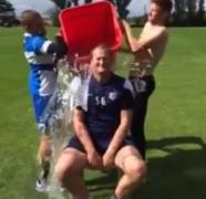 Simon Grayson does ice bucket challenge