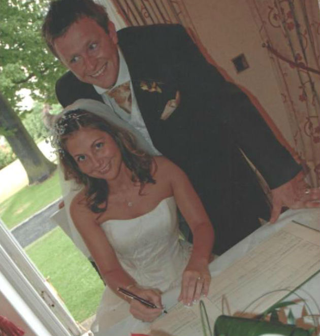 Wedding couple who have misplaced their photo album