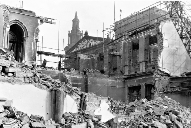 08 - Demolition of Preston Town Hall. May 4, 1962. LEP