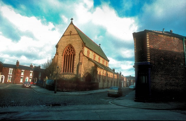 St. Stephens Church, Tay,Street , Preston c.1972: The church has been long gone but the houses on the right still remain to this day.