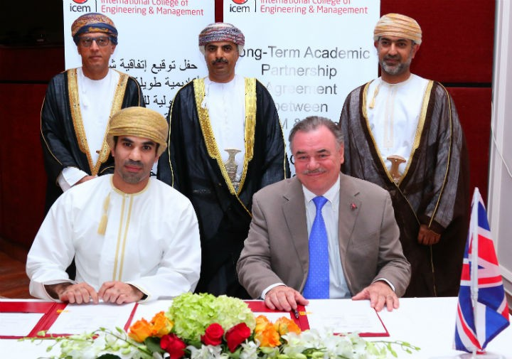Mr Affan K. Al Akhzam, Chief Executive Officer at ICEM signs the new contact with UCLan Pro Chancellor and Chair of the University Board David Taylor