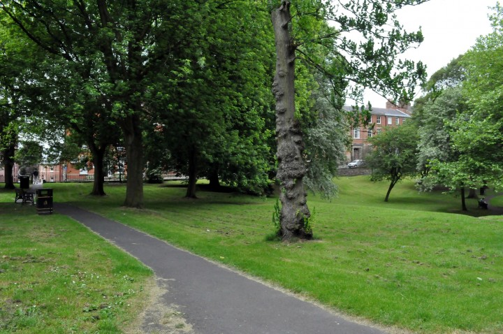 A westerly view of Winckley Square Gardens.