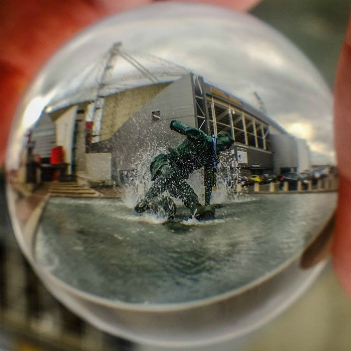 The Splash seen through the crystal ball effect