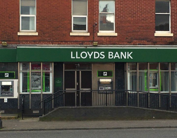 The old Lloyds Bank in Blackpool Road