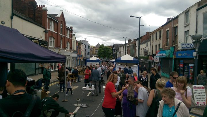 Market beginning to get busier shortly before 12noon
