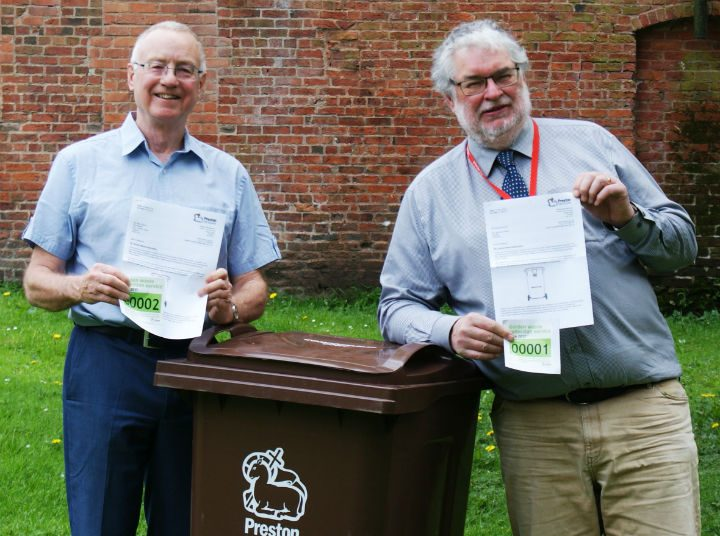 Council leader Peter Rankin and councillor Robert Boswell were the first two people to sign up to the scheme