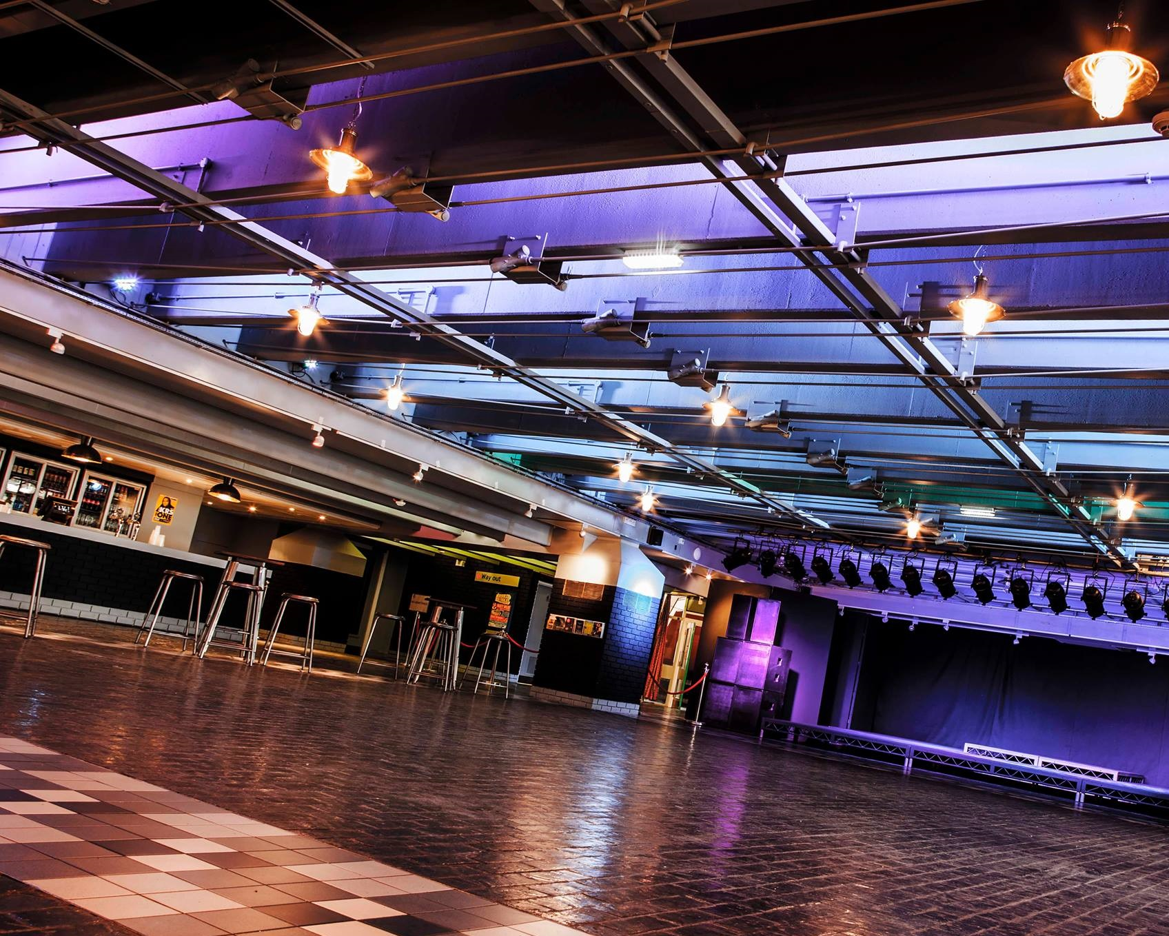 New LiVe music venue