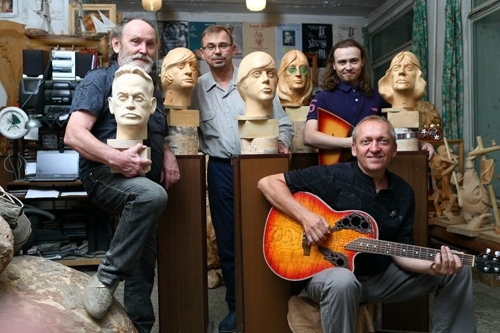Leonty Usov, sculptor, project director Andrey Olear from Tomsk State, writer and musician Yuliy Burkin and Miroslav Kuzliaev, balalaika musician