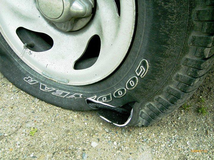 A slashed tyre Pic: wellnitzt