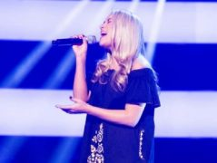 Hayley Eccles performing on The Voice