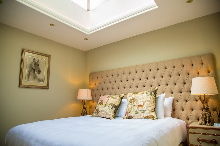 A bedroom in the countryside themed room