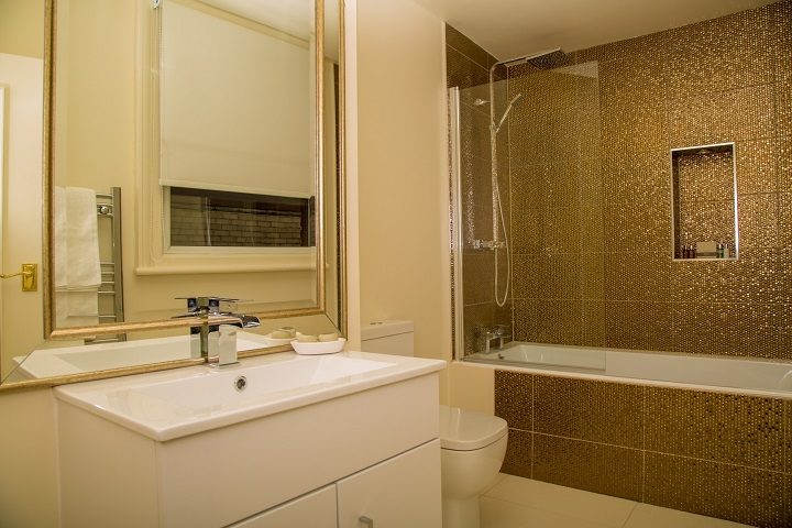 The bathroom in a Tiffany room