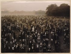 Crowds out in Moor Park early for the astronomical event
