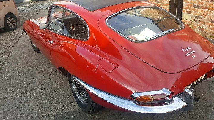 Mr Smith's E-type Jaguar was damaged