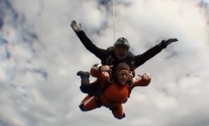 Maxine doing her skydive