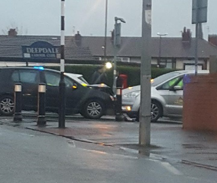 The black car and taxi in Harewood Road