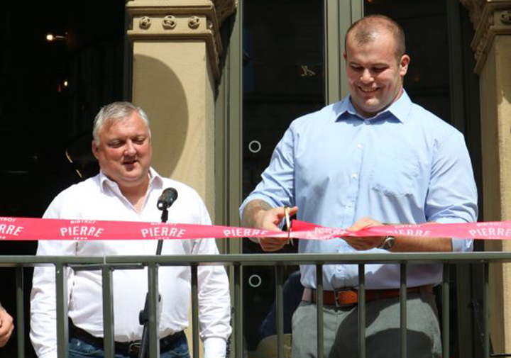 (L-R) Nick White, CEO of Bistrot Pierre and Greg Dunnings, community hero cut the ribbon at Bistrot Pierre Preston