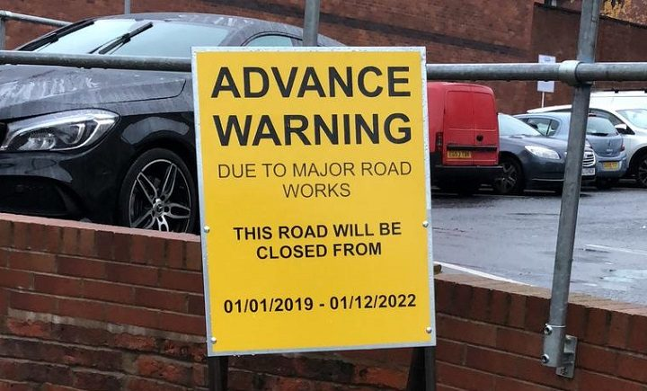 Queries were raised as the signs appeared in Glover's Court itself