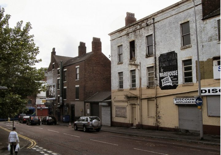 Empty shops in Preston city centre side street Pic: Gill Lawson