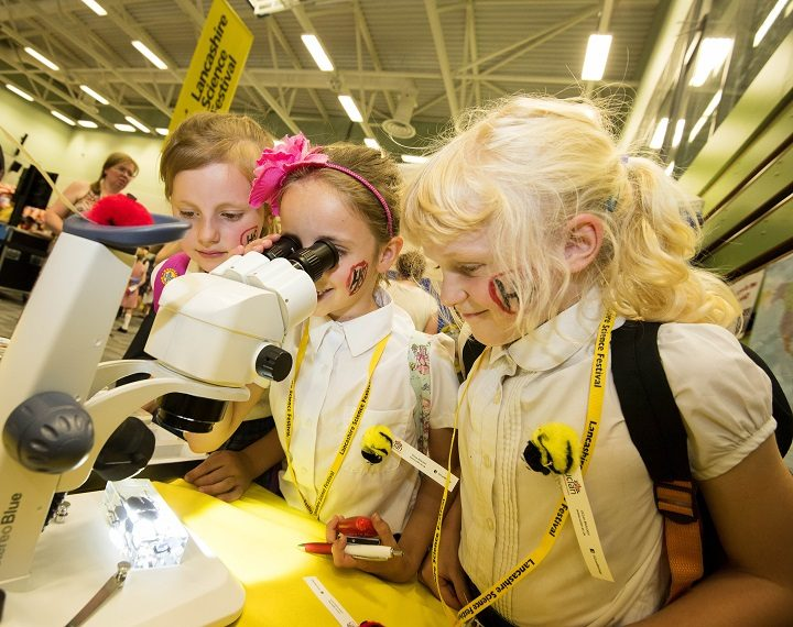 Forton Primary School get a glimpse of some science