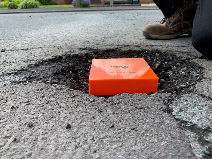 This shows the minimum size of the pothole to be reported