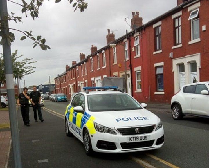 Police presence in Parker Street Pic: Blog Preston