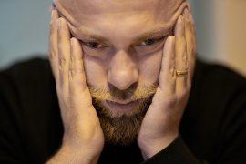 Man looking sad Pic: engin akyurt from Pixabay