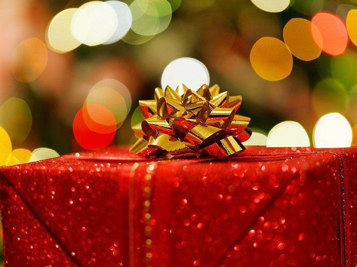 Christmas present Pic: PublicDomainPictures from Pixabay