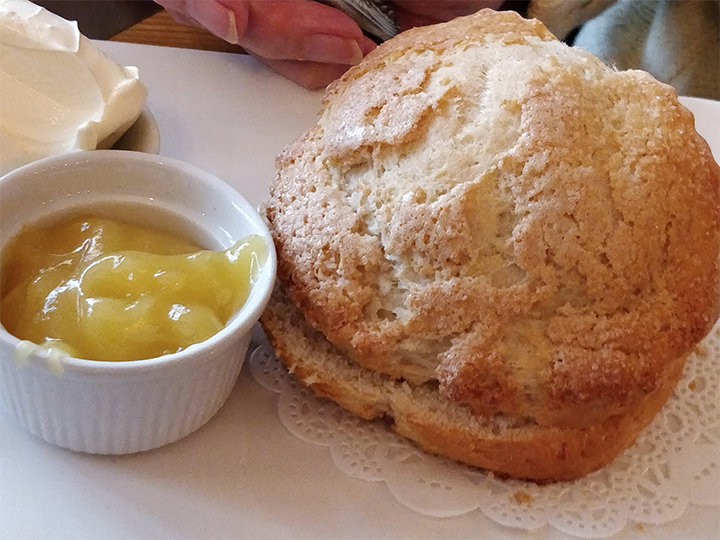 Lemonade scone from BonBons
