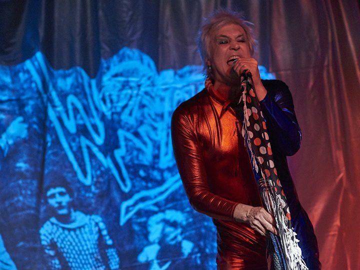 Lee Mark Jones performing A Rock 'N' Roll Suicide Pic: Garry Cook