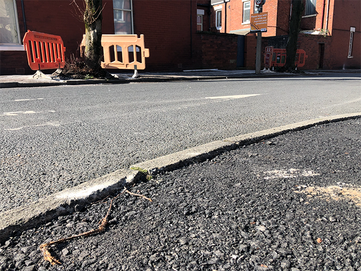 New tarmac on Stocks Road pavements