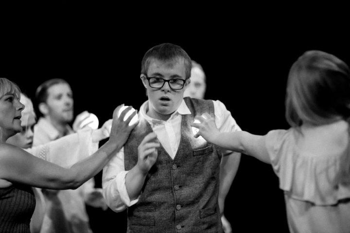 DanceSyndrome-performing-at-the-Edinburgh-Fringe