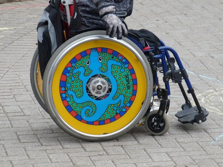 Disabled child in a wheelchair Pic: falco from Pixabay
