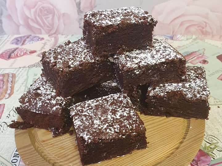 Vegan brownies Pic: Clare's Kitchen and Vintage Tea Rooms / Facebook