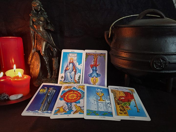 Capricorn October tarot reading Pic: Violetann Tarot